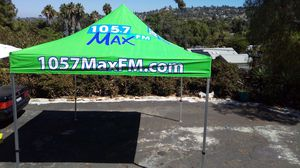 Green Like New 10 x 10 ft Omni Foldable Canopy Tent Professional Aluminum Frame for Sale in Spring Valley, CA