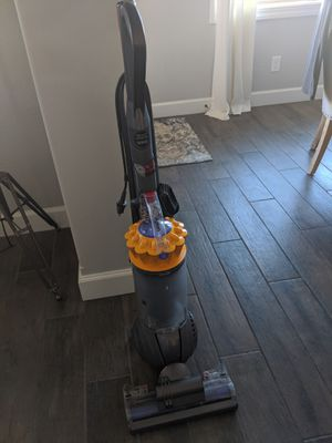 Dyson Ball Multi Floor Bagless Vacuum for Sale in Queen Creek, AZ