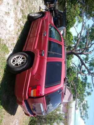 Jeep Cherokee for parts good motor and tranny for Sale in Tampa, FL