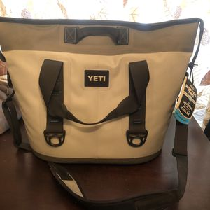 Yeti Cooler Hopper Two for Sale in Dallas, TX