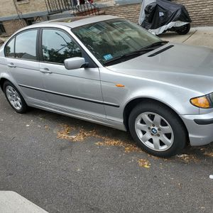 2004 bmw 3 series Manuel for Sale in Brooklyn, NY