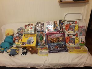 TOYS/GAMES/HOBBY KITS/CRAFTS LOT OF 26 for Sale in West Somerville, MA