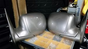 Tahoe,yukon,sierra,silverado mirrors for Sale in Madera, CA