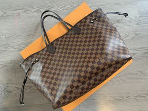 Louis Vuitton GM neverfull for Sale in St. Petersburg, FL
