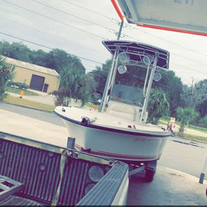 18 Ft Wellcraft Great Condition Motor Very Low Hours for Sale in Deltona, FL