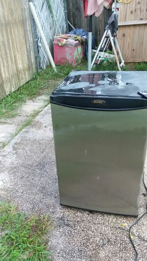 Mini fridge by Danby for Sale in Casselberry, FL