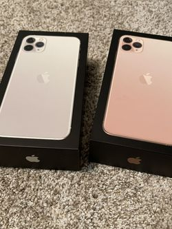 iPhone 11 Pro Max - Gold And White for Sale in Eagle Mountain,  UT