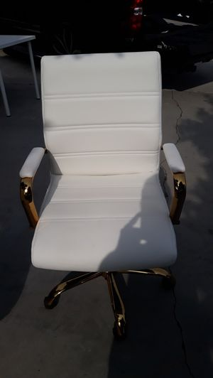 Gold office chair for Sale in South El Monte, CA