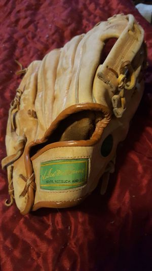 Ted Williams baseball glove for Sale in Allen Park, MI