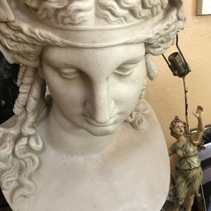 Statue, Stone, Very Heavy for Sale in Alamo, CA