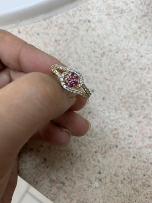 14k gold ring with Ruby's for Sale in Port Richey, FL