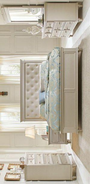 👎$39 DOWN👎SPECIAL] Celandine Silver Panel Bedroom Set byHomelegance for Sale in Jessup, MD