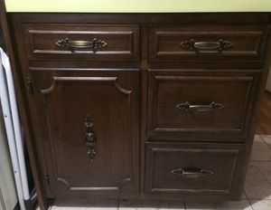 Kitchen cabinets 9 pieces full kitchen custom made plywood construction great condition uninstalled ready to go buy all or by piece for Sale in Detroit, MI