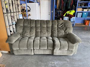 Green soft couch for Sale in Cashmere, WA