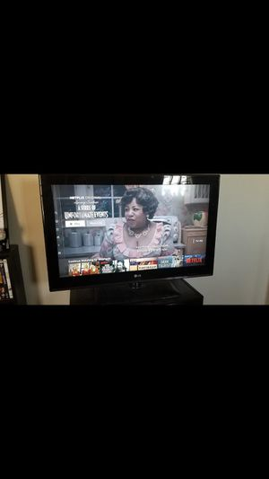 32 inch tv Lg for Sale in St. Louis, MO