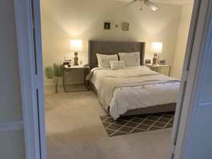 Bed set and mattress for Sale in Arlington, VA