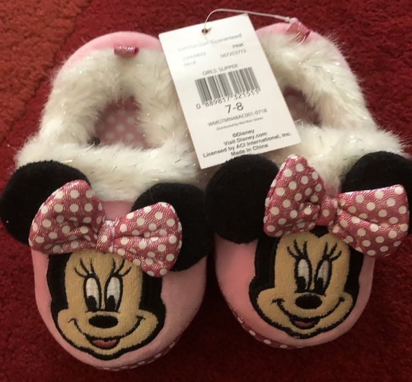 Brand new Minnie Mouse Girls Slippers 7/8) (pick up only)