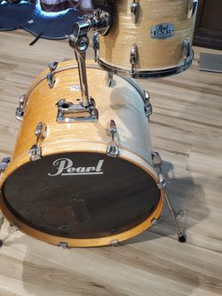 """Pearl EXR 22"""" Bass Drum And 12"""" Tom W/Tom Arm. for Sale in Jurupa Valley,  CA"""