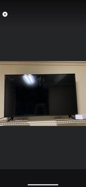 """45"""" VIZIO smart tv for Sale in Fresno, CA"""