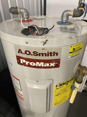 30 gallon hot water heater for Sale in Baton Rouge, LA