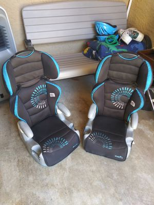 Car seats and bosster for Sale in Las Vegas, NV