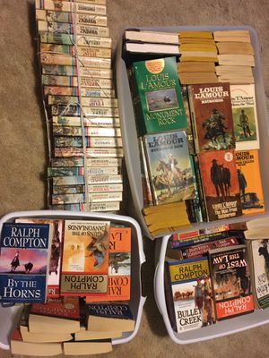 Louis L'amour, Ralph Compton, Dana Fuller Ross western paper back books for Sale in Pleasant View, TN