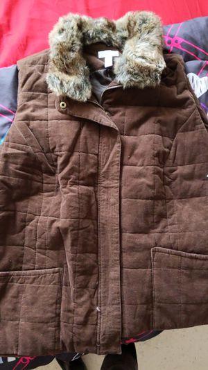 Women's plus Vest w/faux fur for Sale in Oak Lawn, IL