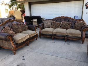 SOFAS SET VERY GOOD CONDITION AND CHEAP ‼️ SALA MUY BIEN CUIDADO BARATO PUEDO LLEVARLO for Sale in Mesa, AZ