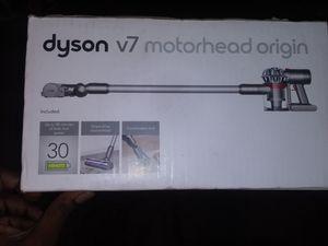 Dyson V7 Moterhead Origin Cord-free/ Hassle-free for Sale in Ontario, CA