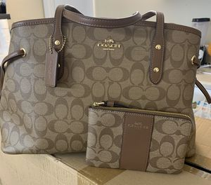 Coach purse for Sale in Santa Ana, CA