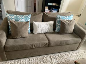 Couch for Sale in Paterson, NJ