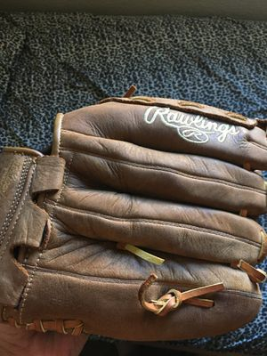 Baseball glove good condition for Sale in San Diego, CA