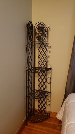 Cookware or plant stand iron metal for Sale in New Britain, CT