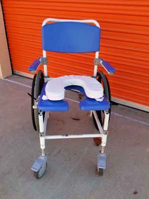Medical chair for Sale in Huntington Beach, CA