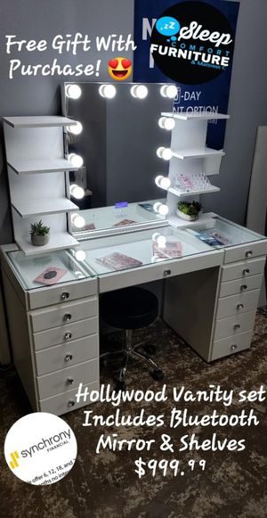 Hollywood Vanity Set w Bluetooth mirror & shelving for Sale in Los Angeles, CA