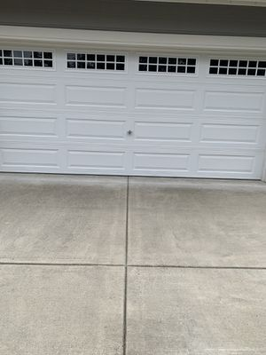 Lift master. Garage door with opener for Sale in Tukwila, WA