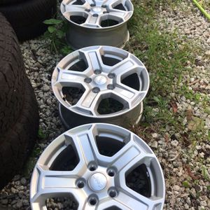 "2019 Jeep Wrangler OEM 17"" wheels 5x5 fit 2007-up for Sale in Fort Lauderdale, FL"