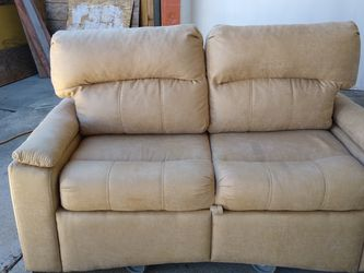 Couch Sleeper for Sale in Richmond,  CA