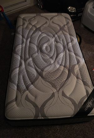 Excellent condition twin mattress for Sale in Issaquah, WA