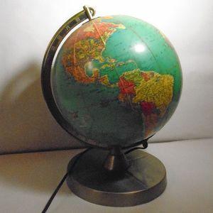 Vintage Globe Lamp for Sale in Villa Park, IL