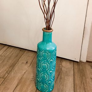 Blue Vase for Sale in Bakersfield, CA