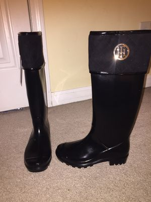 TOMMY HILFIGER RAIN BOOTS for Sale in Raleigh, NC