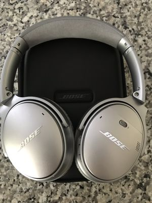 Bose noise canceling headphones for Sale in Nashville, TN