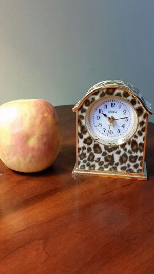 Tiny clock decorator piece for Sale in Austell, GA