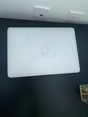 Mac book pro 13'' screen broken for Sale in Miami Beach, FL
