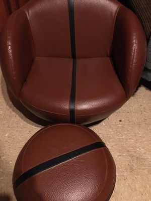 Kids basketball chair for Sale in Fresno, CA