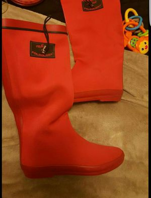 Redfoot Foldology rainboots - size 7 (fits like an 8 ) for Sale in Martinsburg, WV