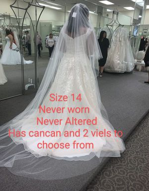 White wedding dress, Never worn Never Altered for Sale in Haines City, FL