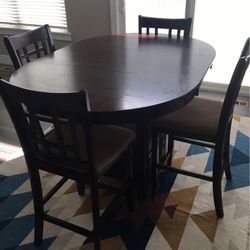 Dining Table Set for Sale in St. Peters,  MO