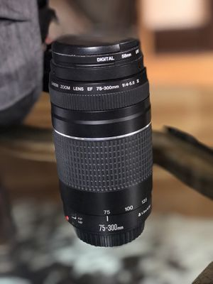 Canon 75-300 4-5.6 iii zoom lens w/ uv filter for Sale in San Diego, CA